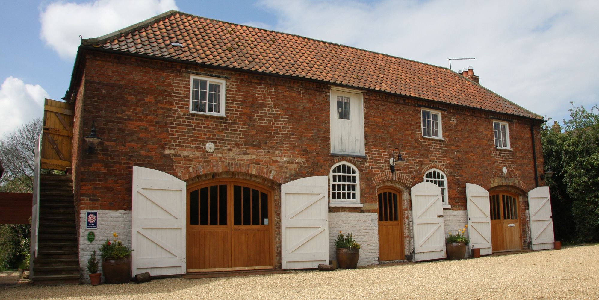 slider_Exterior-Stables-Summer