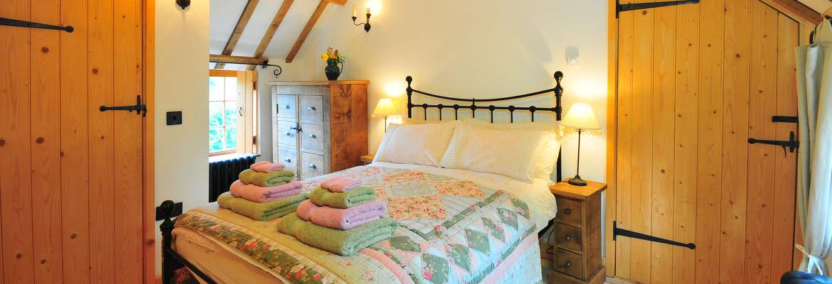 Hayloft-Bedroom-1
